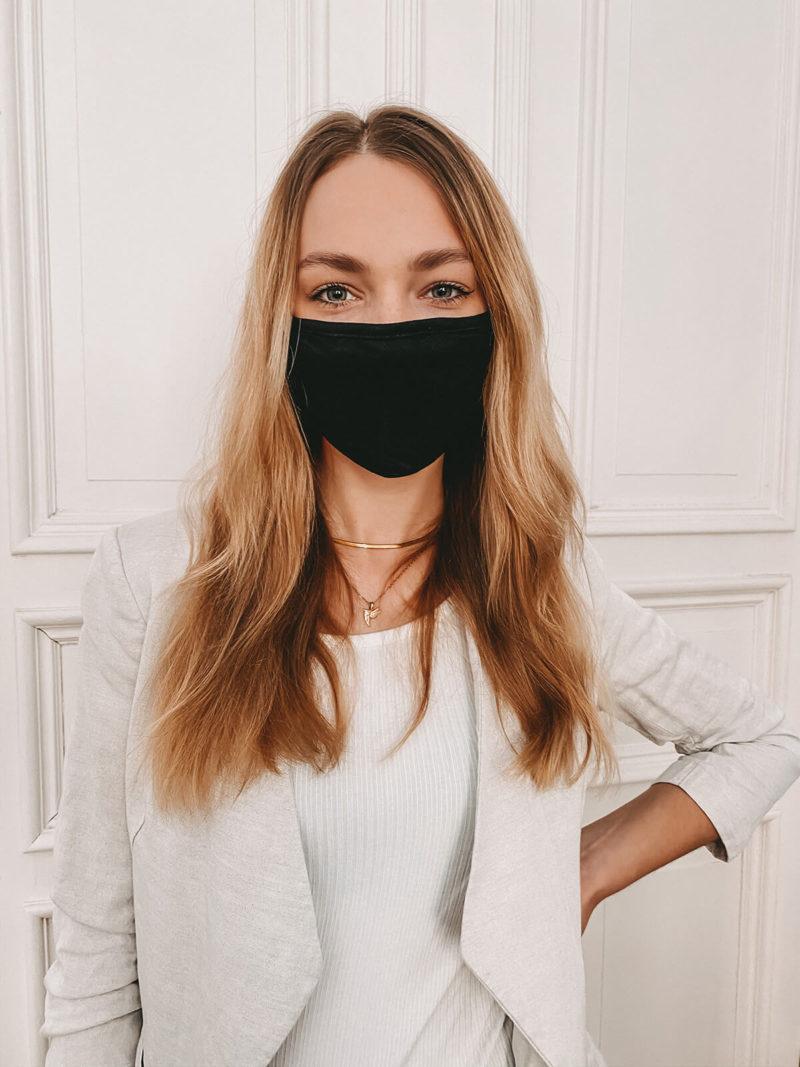 Baumwollmaske in schwarz großflächig bedruckbar (vorne)