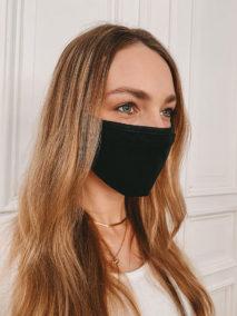 Baumwollmaske in schwarz großflächig bedruckbar (nah)