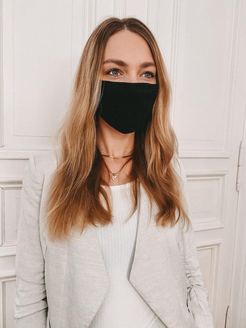 Baumwollmaske in schwarz großflächig bedruckbar (seitlich)