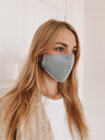 Gesichtsmaske mit Nasenbügel in weiß